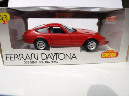 Ferrari Daytona (red)